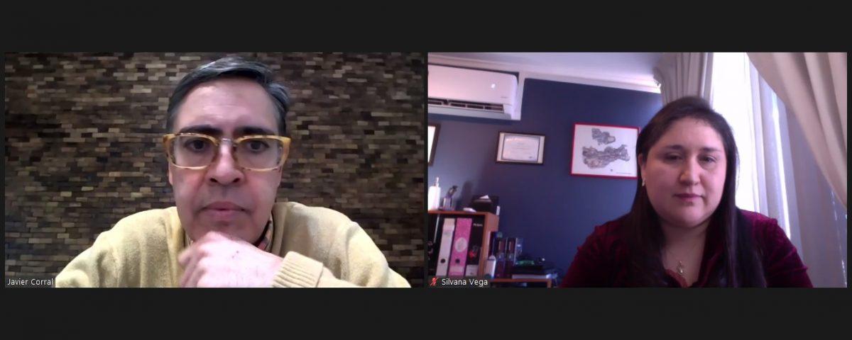 En la imagen el expositor Javier Corral junto a la profesora Sylvana Vega